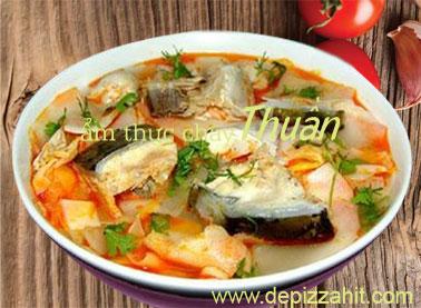 Canh cá nấu chua chay – 80.000/bát chất lượng đảm bảo tuyệt đối.